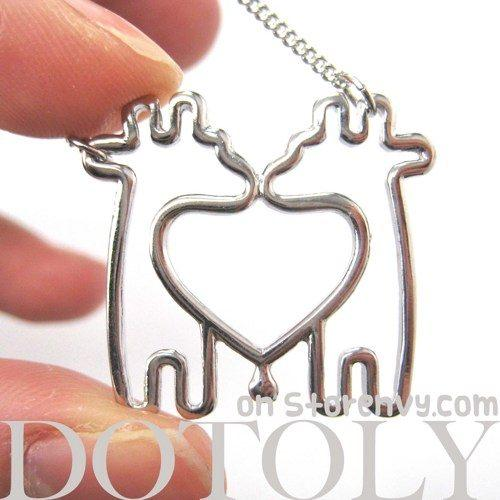 simple-giraffe-heart-love-animal-charm-outline-necklace-in-silver
