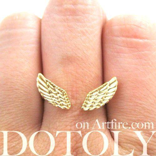 Angel Wings Adjustable Ring with Feather Detail in Gold | DOTOLY | DOTOLY