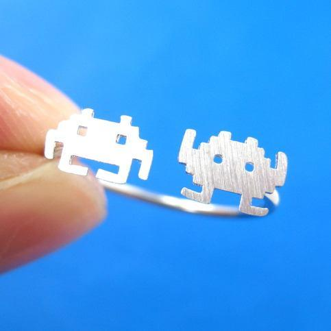 Atari Space Invaders Arcade Alien Pixel Adjustable Ring in Silver | DOTOLY