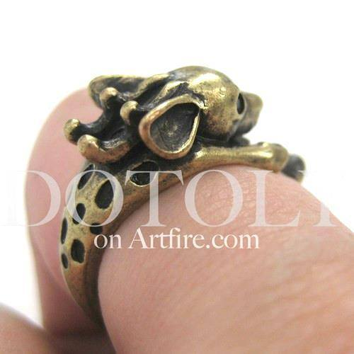 Spotted Reindeer Caribou Deer Animal Wrap Around Ring in Brass | US Size 4 - 9 | DOTOLY