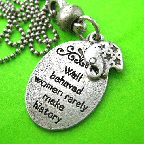elephant-animal-round-pendant-necklace-in-silver-with-quote