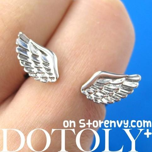 Angel Wings Adjustable Ring with Feather Detail in Silver | DOTOLY