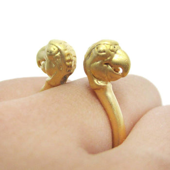 3D Double Parrot Bird Head Shaped Sleek Ring in Gold