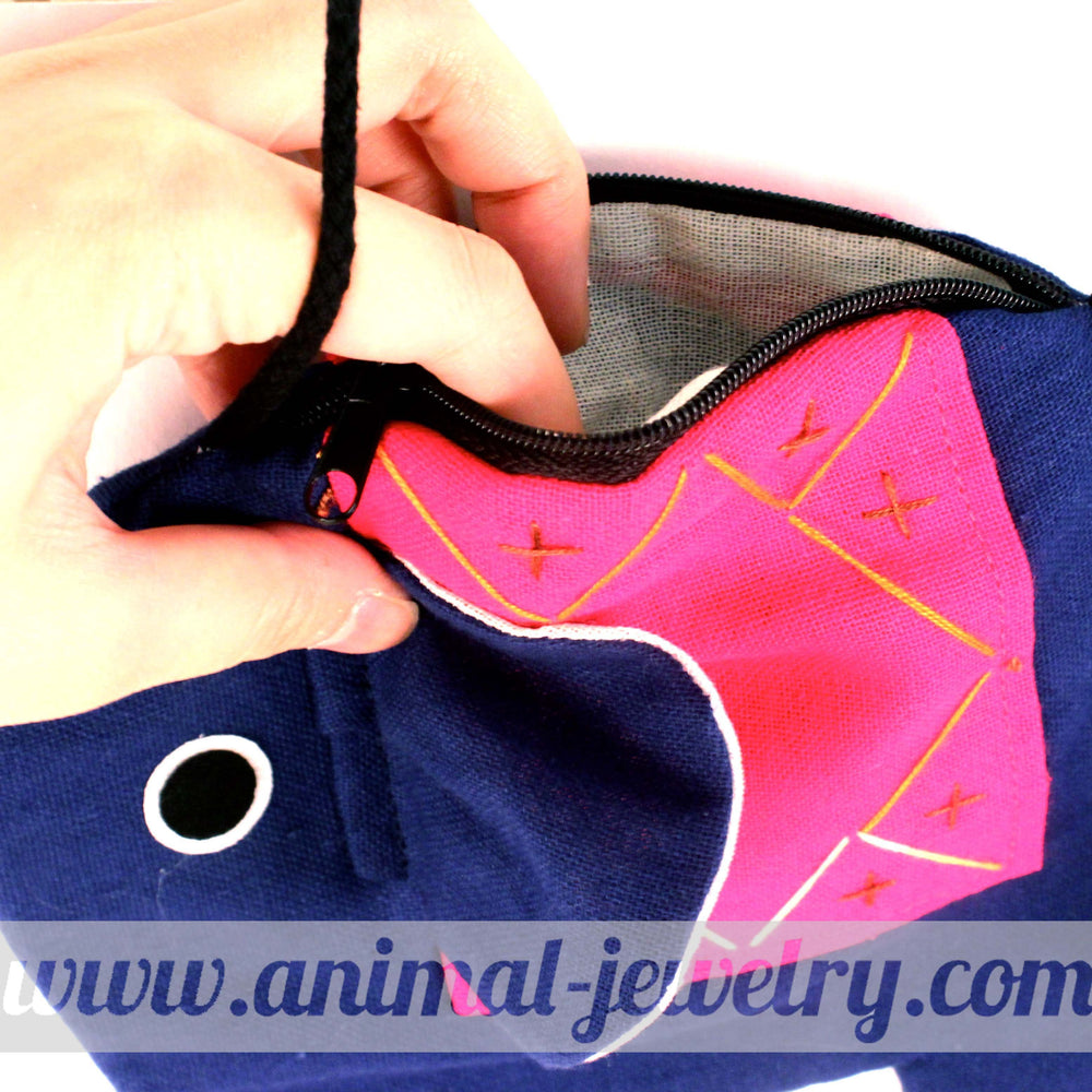elephant-shaped-animal-shoulder-bag-in-dark-blue-and-pink-dotoly
