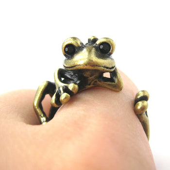 Funny Frog Animal Wrap Around Hug Ring in Brass | US Size 4 - 9 | DOTOLY