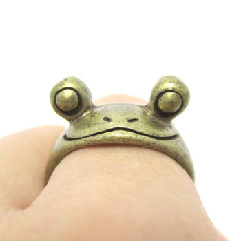 Googly Eyed Frog Toad Animal Wrap Ring in Brass | US Sizes 5 to 8 | DOTOLY