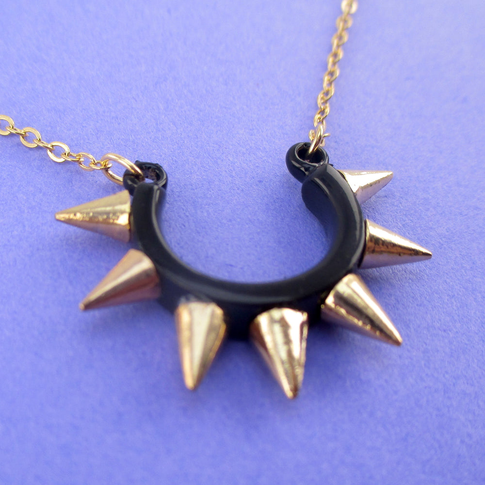 Minimal Rocker Chic Horseshoe Spiked Pendant Necklace in Gold | DOTOLY