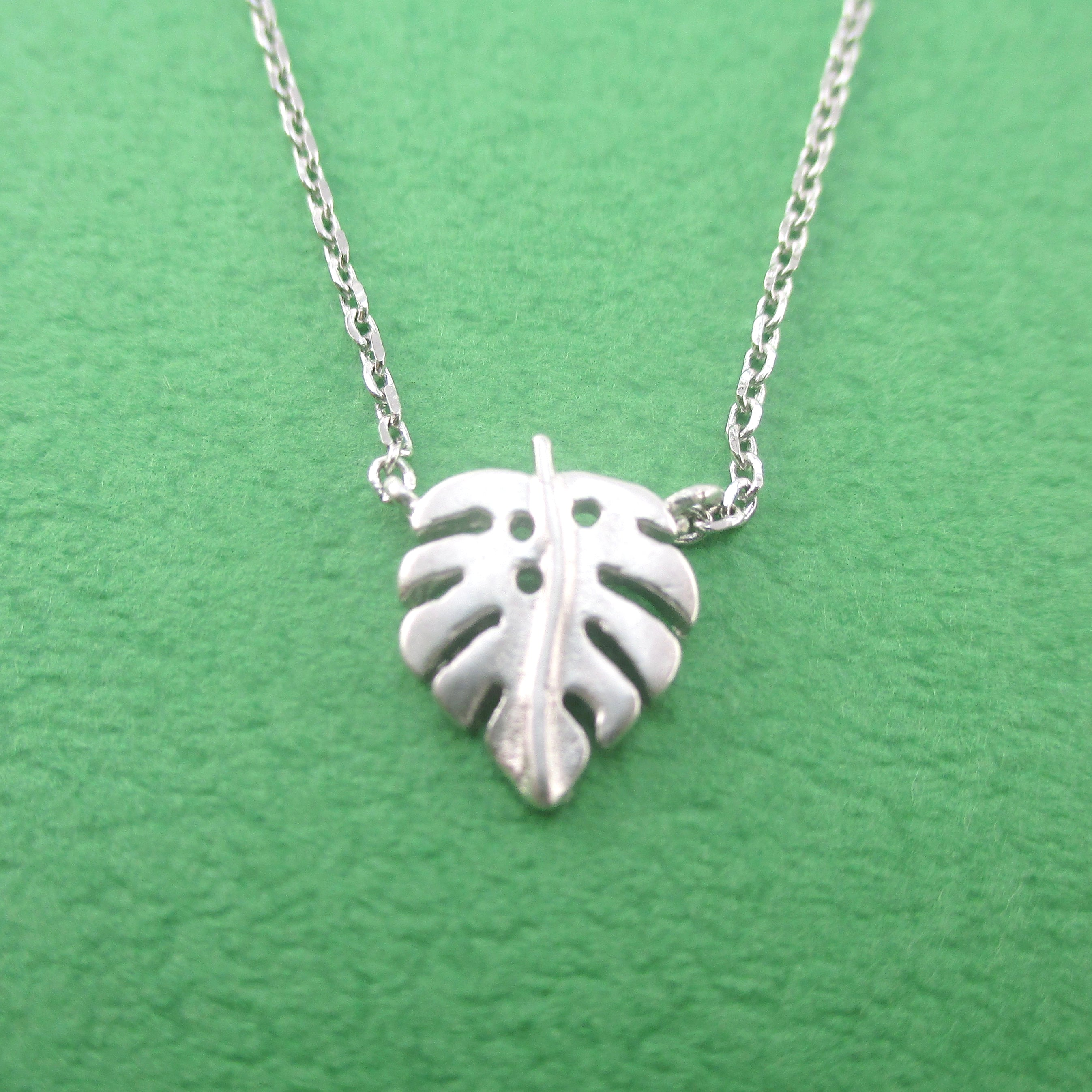Minimal Swiss Cheese Monstera Plant Leaf Shaped Pendant Necklace In Silver