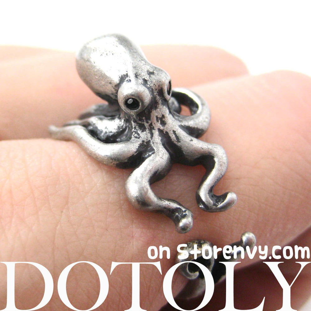 Octopus Squid Sea Animal Wrap Around Hug Ring in Silver - Size 4 to 9 | DOTOLY