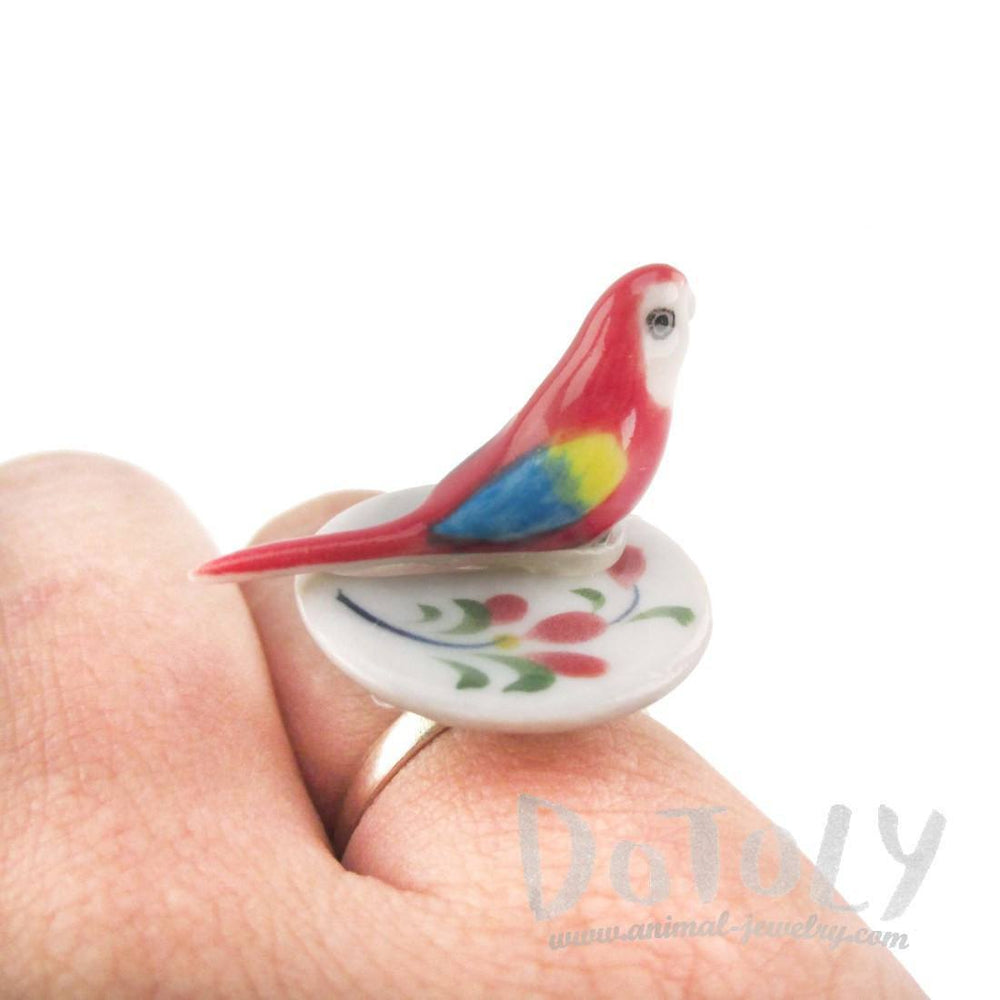 Porcelain Scarlet Macaw Parrot Bird Shaped Adjustable Animal Ring