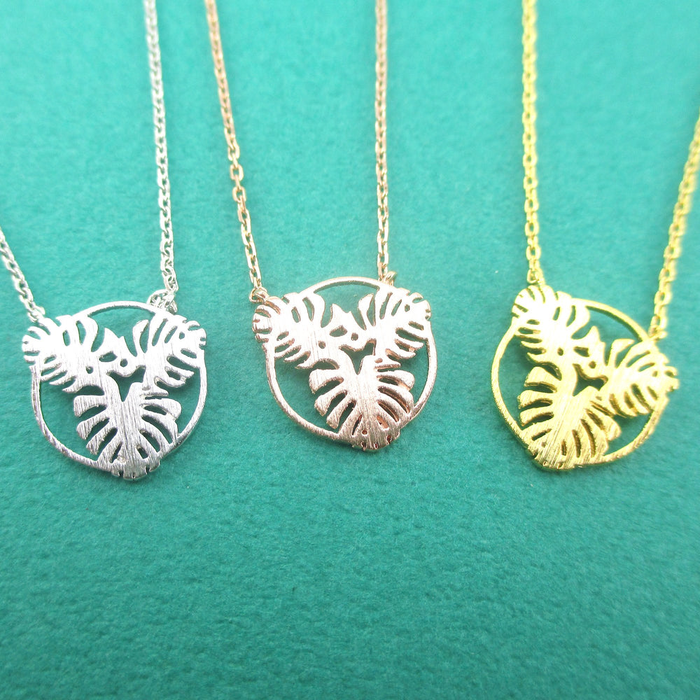 Round Monstera Swiss Cheese Plant Leaves Cut Out Shaped Green Thumb Pendant Necklace