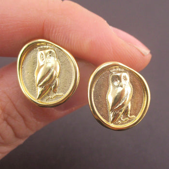 Round Owl Wax Seal Shaped Stud Earrings in Silver or Gold | DOTOLY