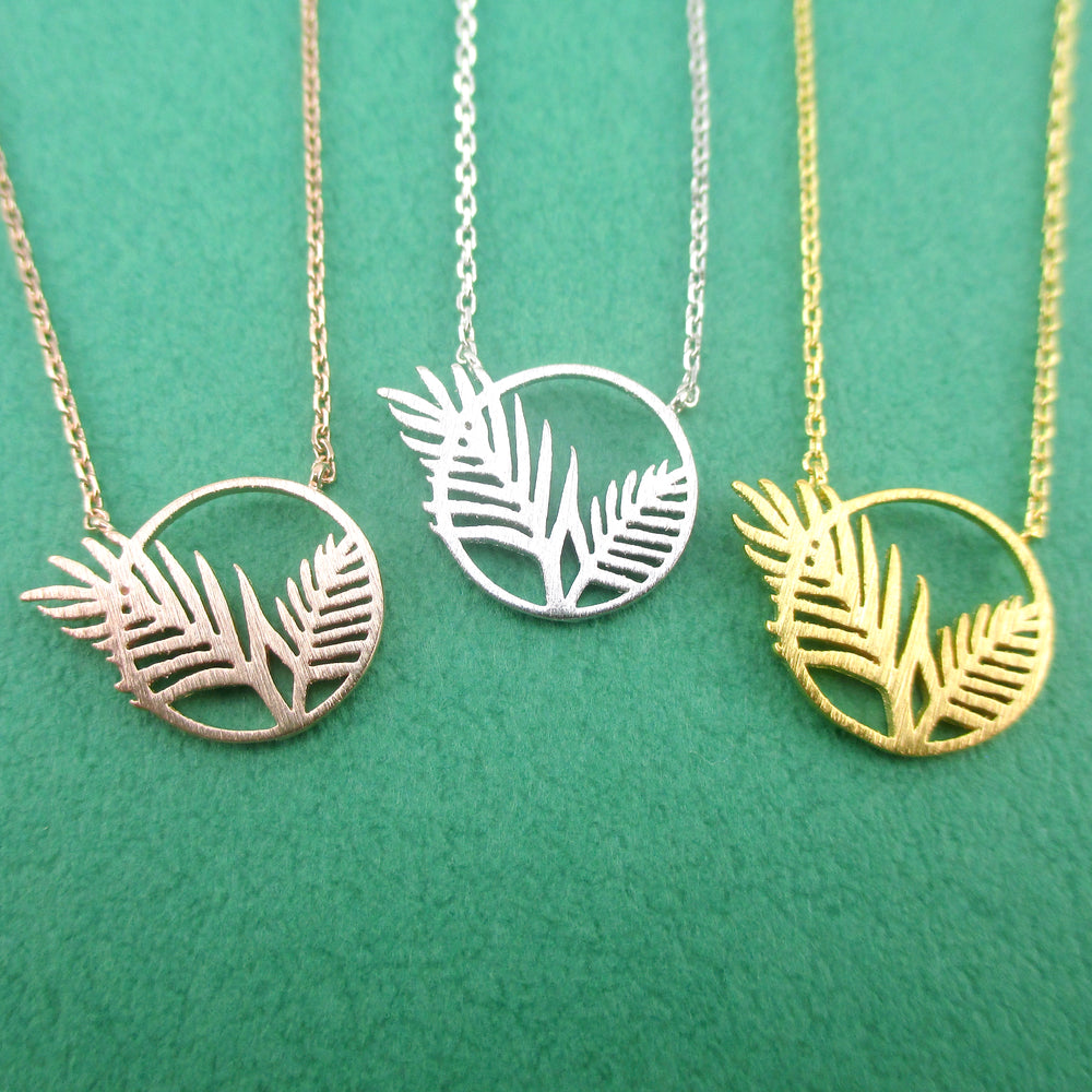 Round Palm Leaves Cut Out Shaped Green Thumb Pendant Necklace