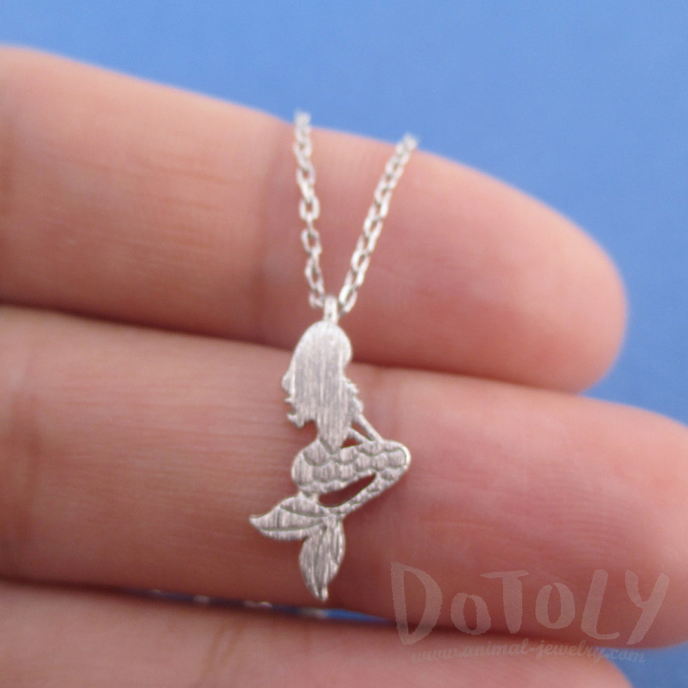 Mermaid Ariel Silhouette Shaped Pendant Necklace in Silver