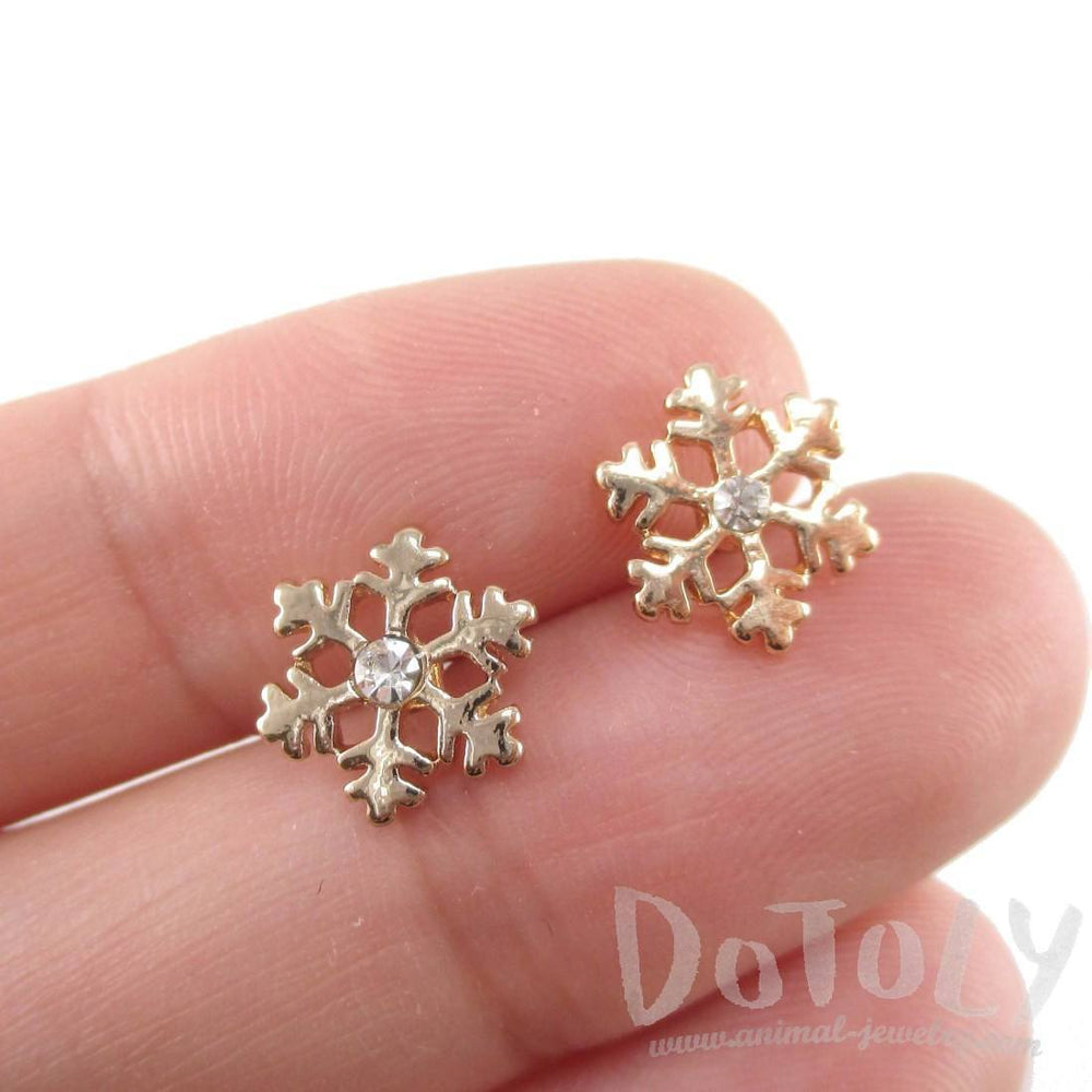 Small Snowflake Shaped Stud Earrings in Gold with Rhinestones | DOTOLY | DOTOLY