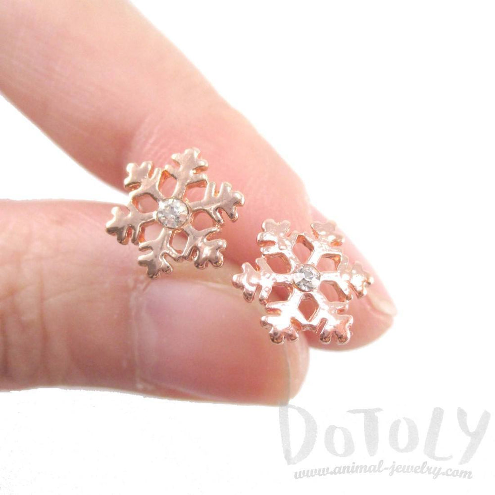 Small Snowflake Shaped Stud Earrings in Rose Gold with Rhinestones | DOTOLY | DOTOLY