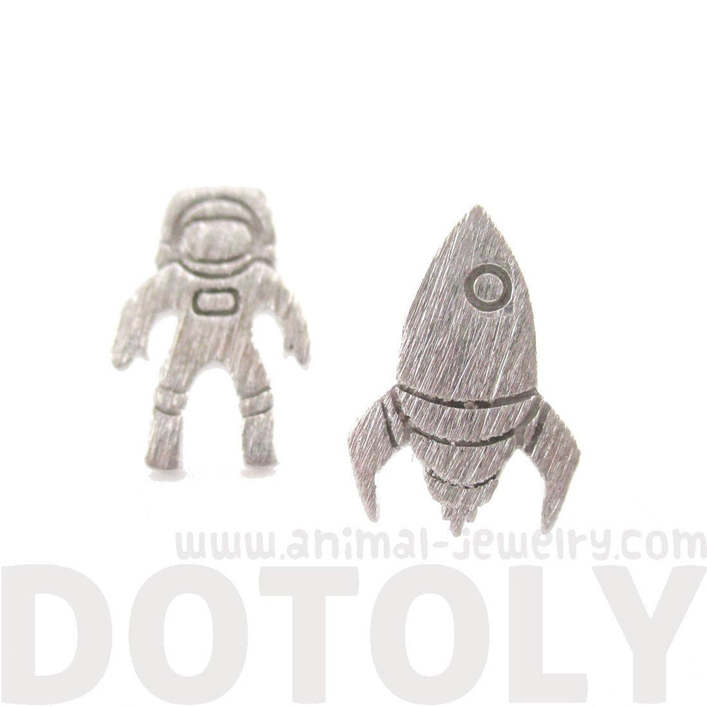 Spaceship and Astronaut Space Travel Themed Stud Earrings in Silver | DOTOLY | DOTOLY