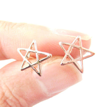Star Shaped Outline Cut Out Stud Earrings in Rose Gold | DOTOLY | DOTOLY