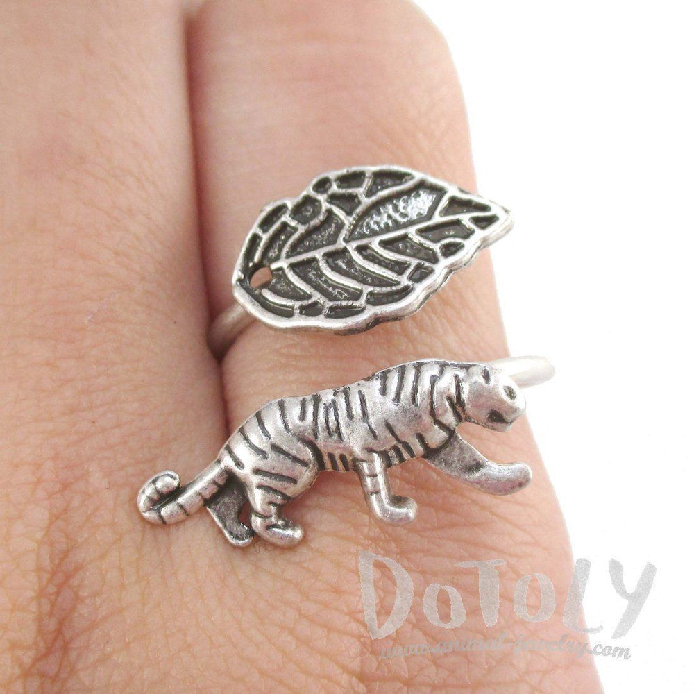 Tiger and Leaf Adjustable Wire Wrap Ring in Silver | Animal Jewelry