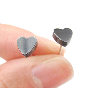 Tiny Classic Heart Shaped Stud Earrings in Gunmetal Silver | DOTOLY | DOTOLY