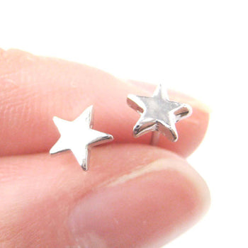 Tiny Classic Star Shaped Simple Stud Earrings in Silver | DOTOLY | DOTOLY