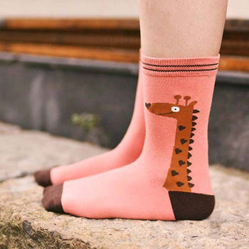 Unisex Giraffe Print Animal Themed Cotton Socks in Pink | DOTOLY | DOTOLY