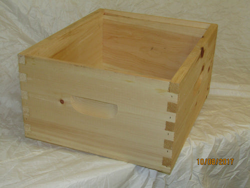 Deep Hive pine box, assembled