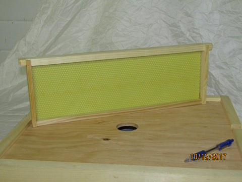 Medium Frame Assembled with Plastic Foundation