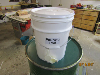 Pouring Pail 5 gallon with honey gate and metal handle