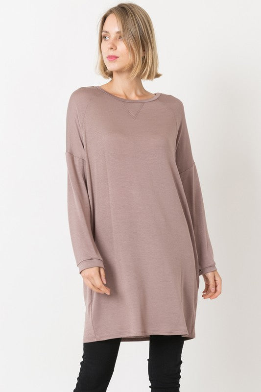 Long Sleeve Raglan Cut Long Sweatshirt Top in Mocha