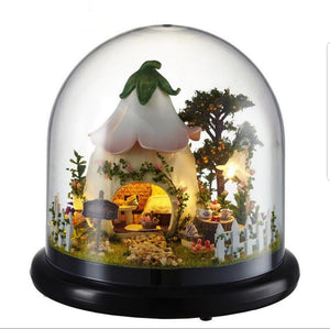 'Sweetums' house globe