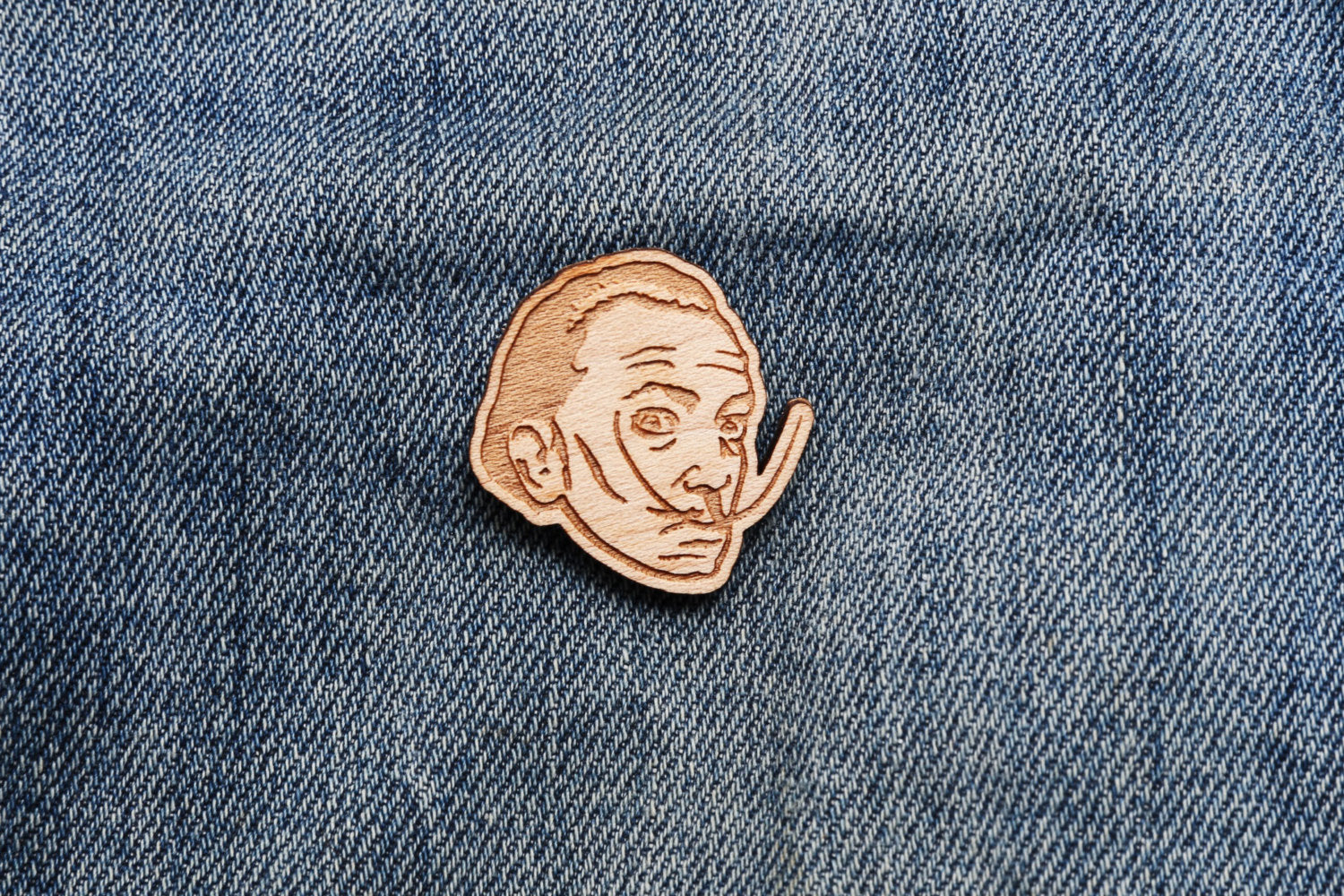 SALVADOR DALI LAPEL PIN