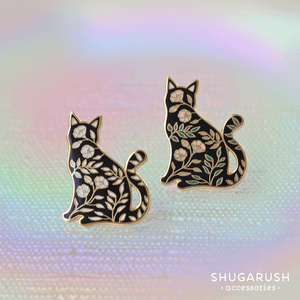 Sitting Floral Cat Pin - Color