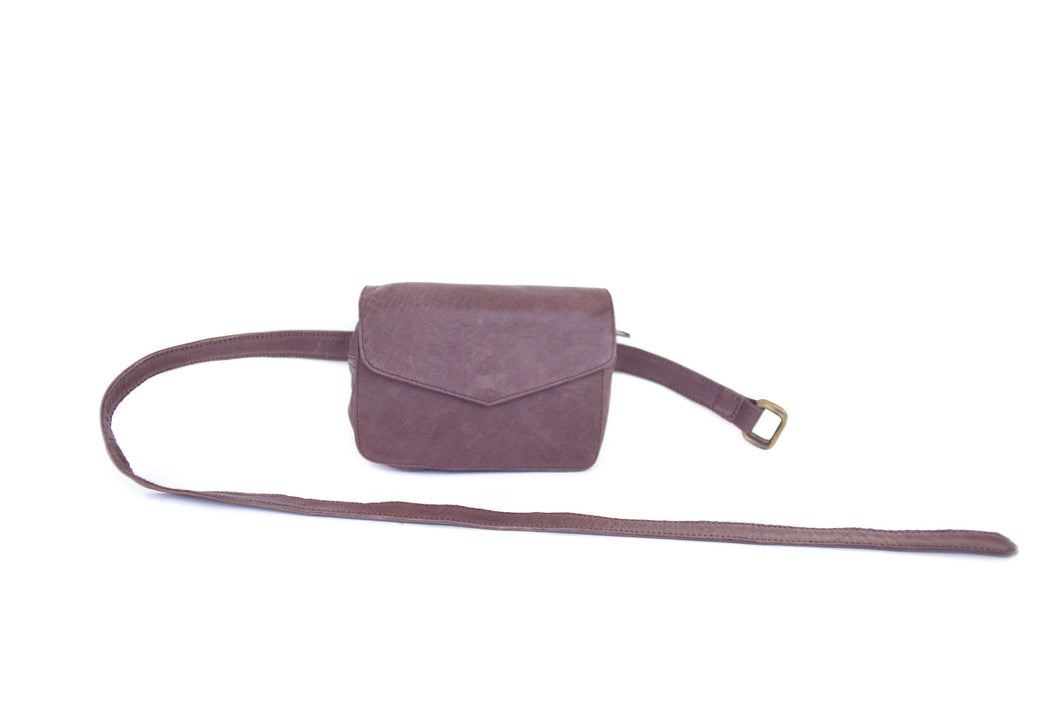 BAGSU design leather belt bag IMARA brown - front view