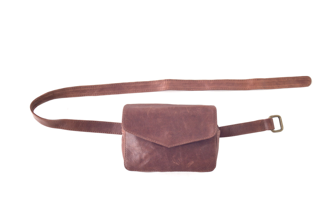 BAGSU design leather belt bag IMARA camel - front view