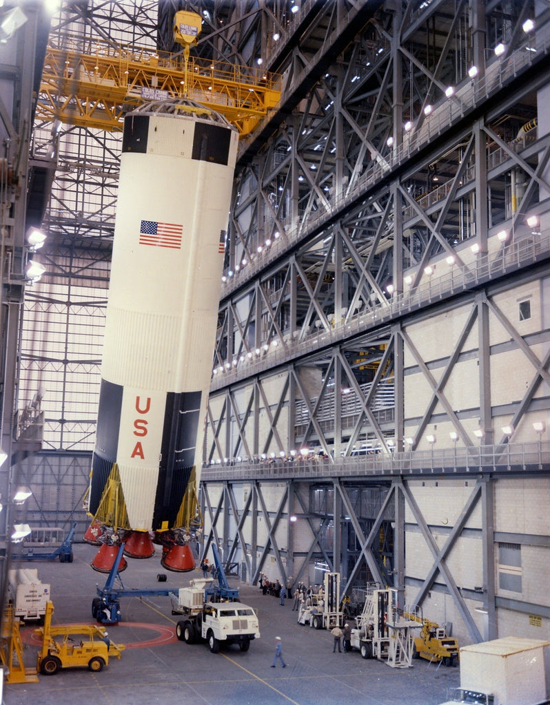 Apollo_8_first_stage_in_the_Vehicle_Assembly_Building