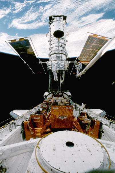 Hubble-space-telescope-second-servicing-mission-sts-82