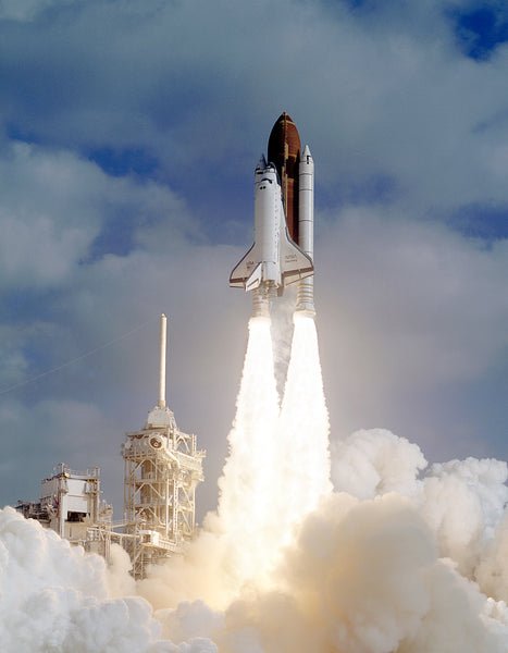 Space-shuttle-discover-Liftoff_STS-31-hubble-space-telescope_grande
