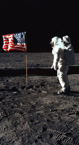 apollo_11_buzz_aldrin_moon_flag_salute_phone_wallpaper