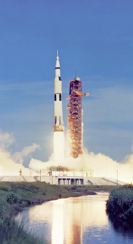 apollo_11_saturn_5_launch_phone_wallpaper