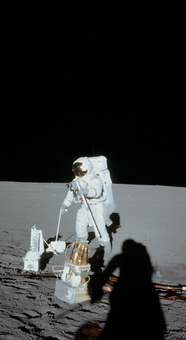 apollo_12_moonwalk_landscape_astronaut_phone_wallpaper