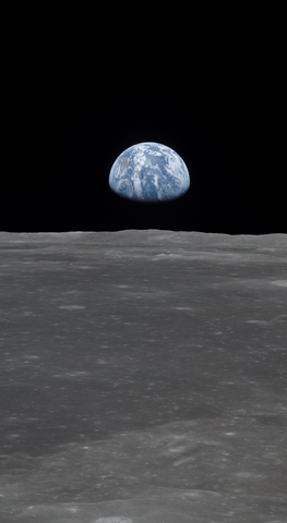 earthrise_phone_wallpaper