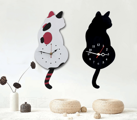 WiggleTail™ Cat Clock