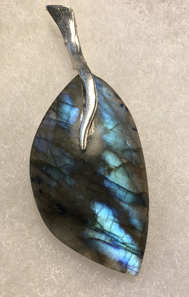 Labradorite Pendant with Pewter Beaver Tail