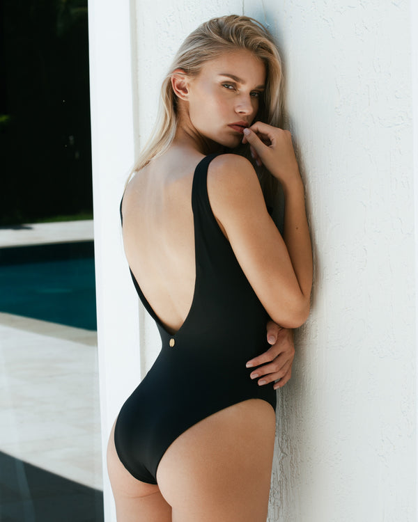 Camelia One Piece - Black
