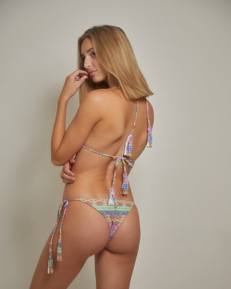 S18 - Gitana Iris Bottom