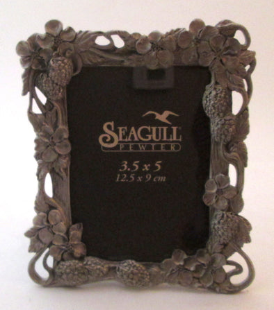 Vintage Seagull Pewter Picture Frame for 3.5x5 photos silver berries and flowers boho decor