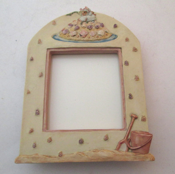 Vintage Brambly Hedge 2x3 Photo Frame Shrimp beach decor small picture Barklem Charpente