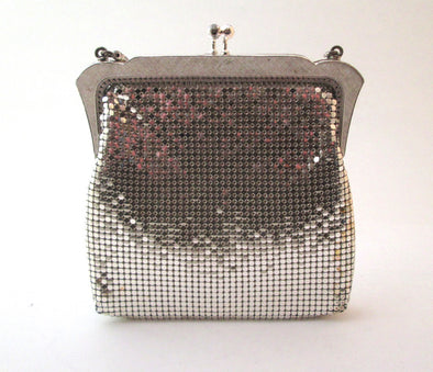 Vintage 1970s Silver Mesh Bag Metallic Purse mini bag, metallic disco purse, small metal chain mail purse, small mesh purse, Oroton bag - Late Boomer Vintage