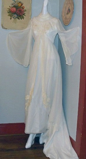 Vintage 1940\'s Wedding Dress 40\'s Cathedral Gown Taffeta Chiffon ...